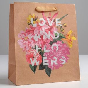 Подарочный пакет Love and flowers (23 × 27 × 11,5 см)