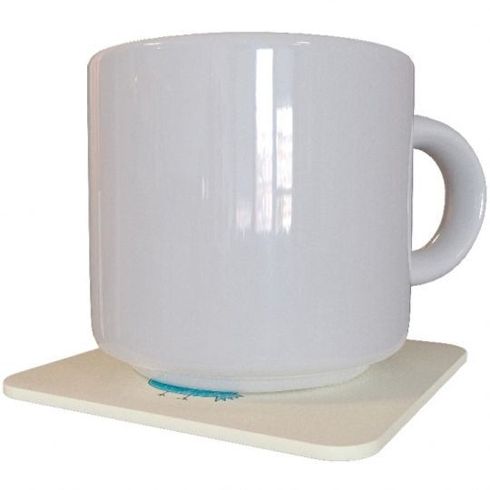 Подставка под чашку Дедлайн никуда не денется С чашкой