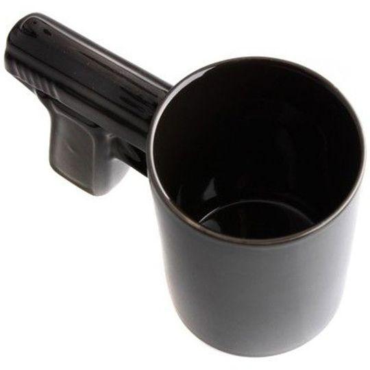 Кружка Пистолет (Черная с черной ручкой) Вид сверху