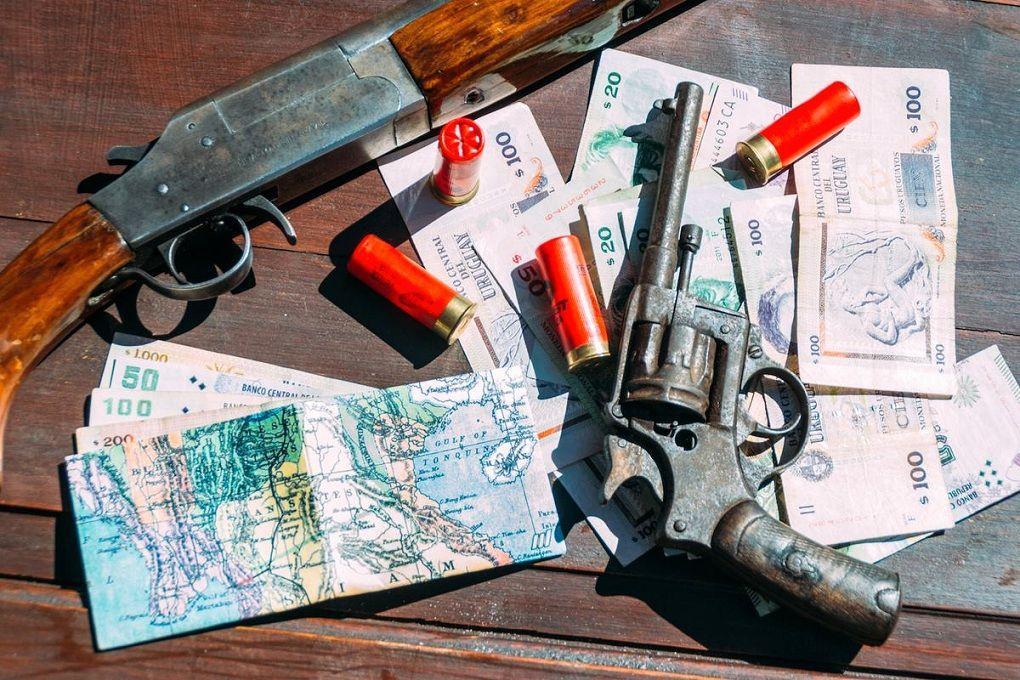 Карты на кошельках New Wallet, деньги, два ствола