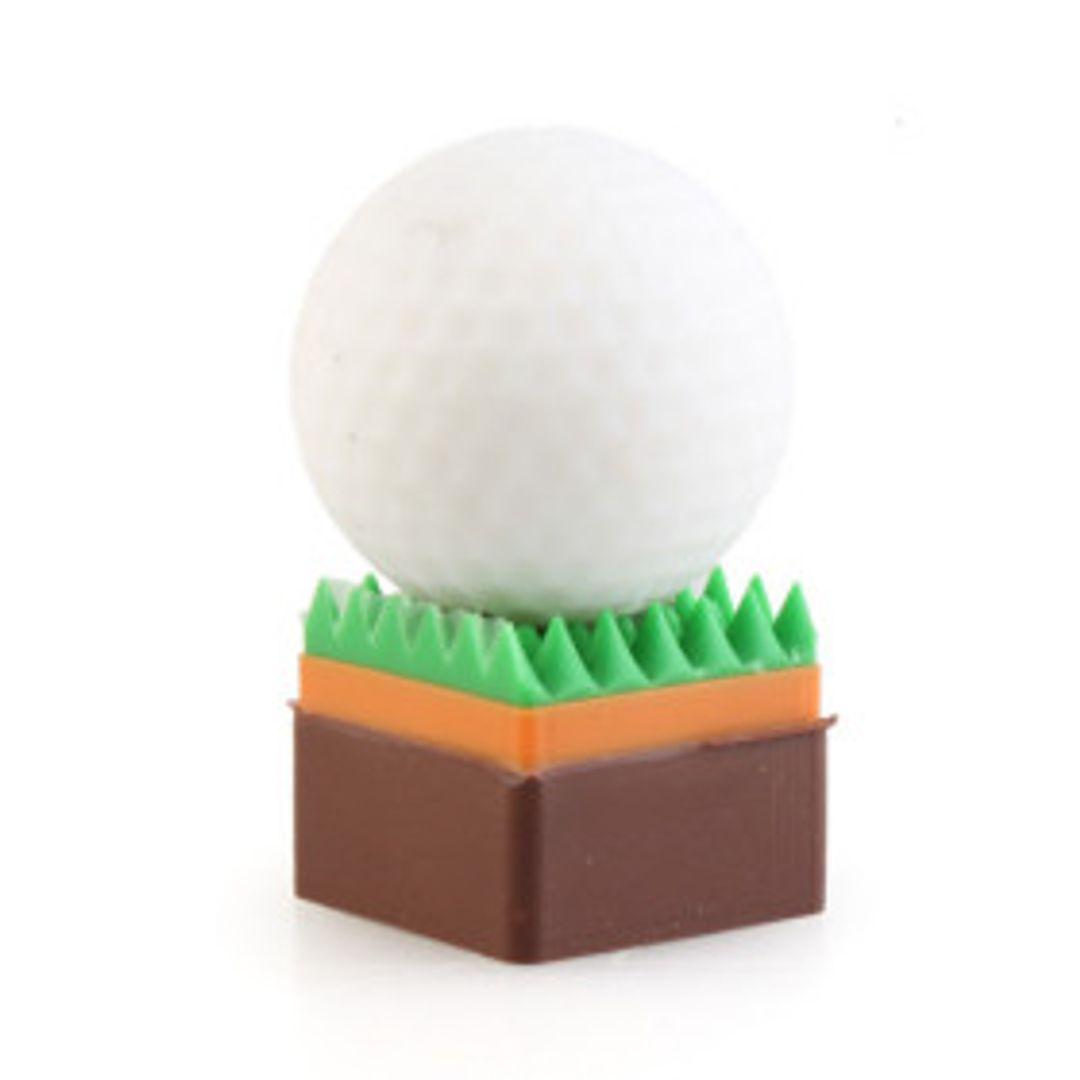 Флешка Мяч для гольфа на газоне 4 Гб