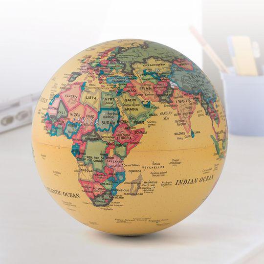 Вращающийся глобус