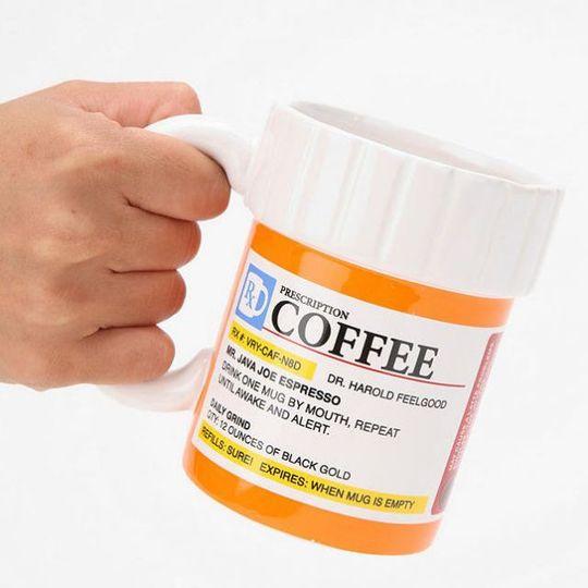 Кружка Кофе по рецепту В руке