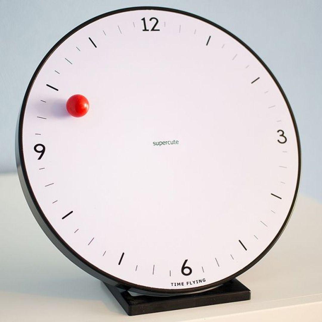 Магнитные часы Time Flying