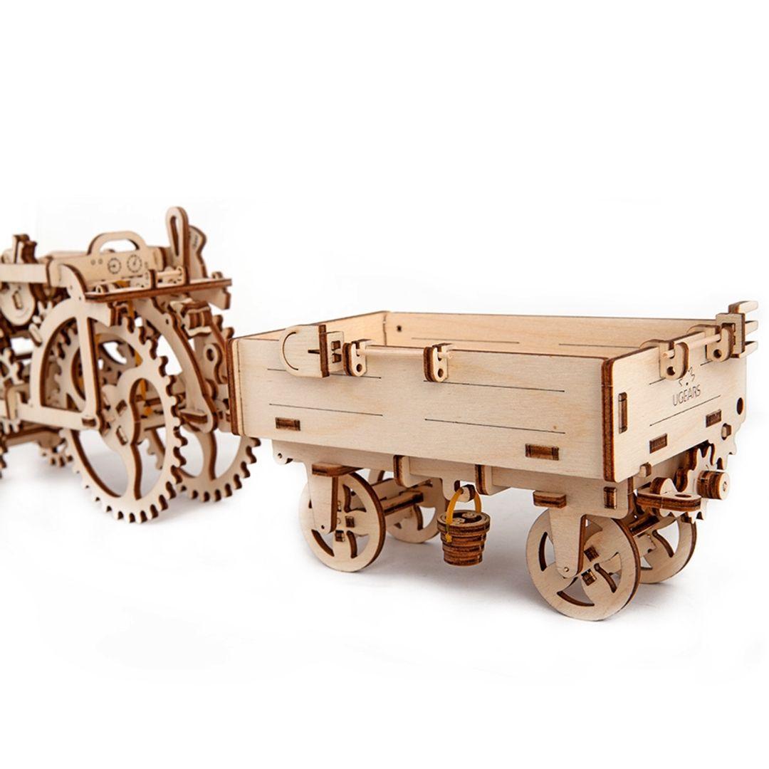 Механический 3D Пазл Ugears Прицеп к трактору С лопаткой, вилами, метлой, ведерком