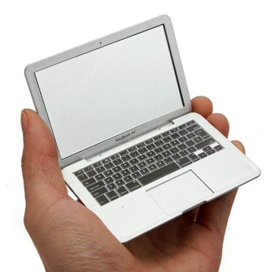 Зеркало MacBook Air