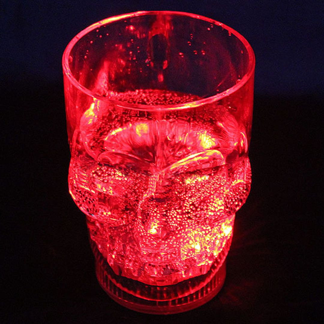 Светящийся пивной бокал Череп