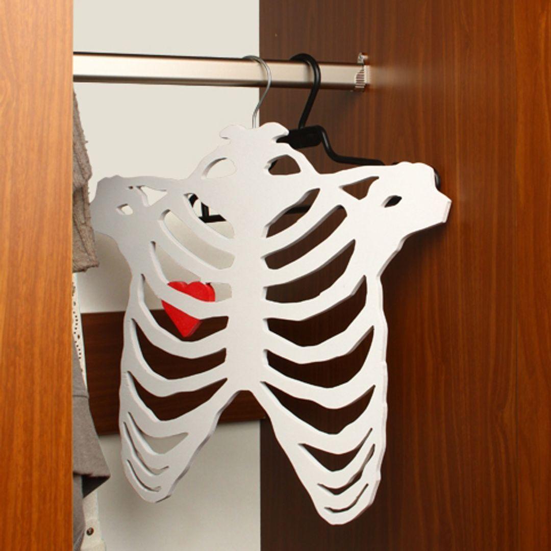 Вешалка Скелет в шкафу