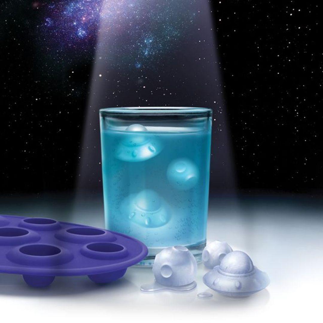 Форма для льда НЛО Ice Attacks! С льдинками в стакане
