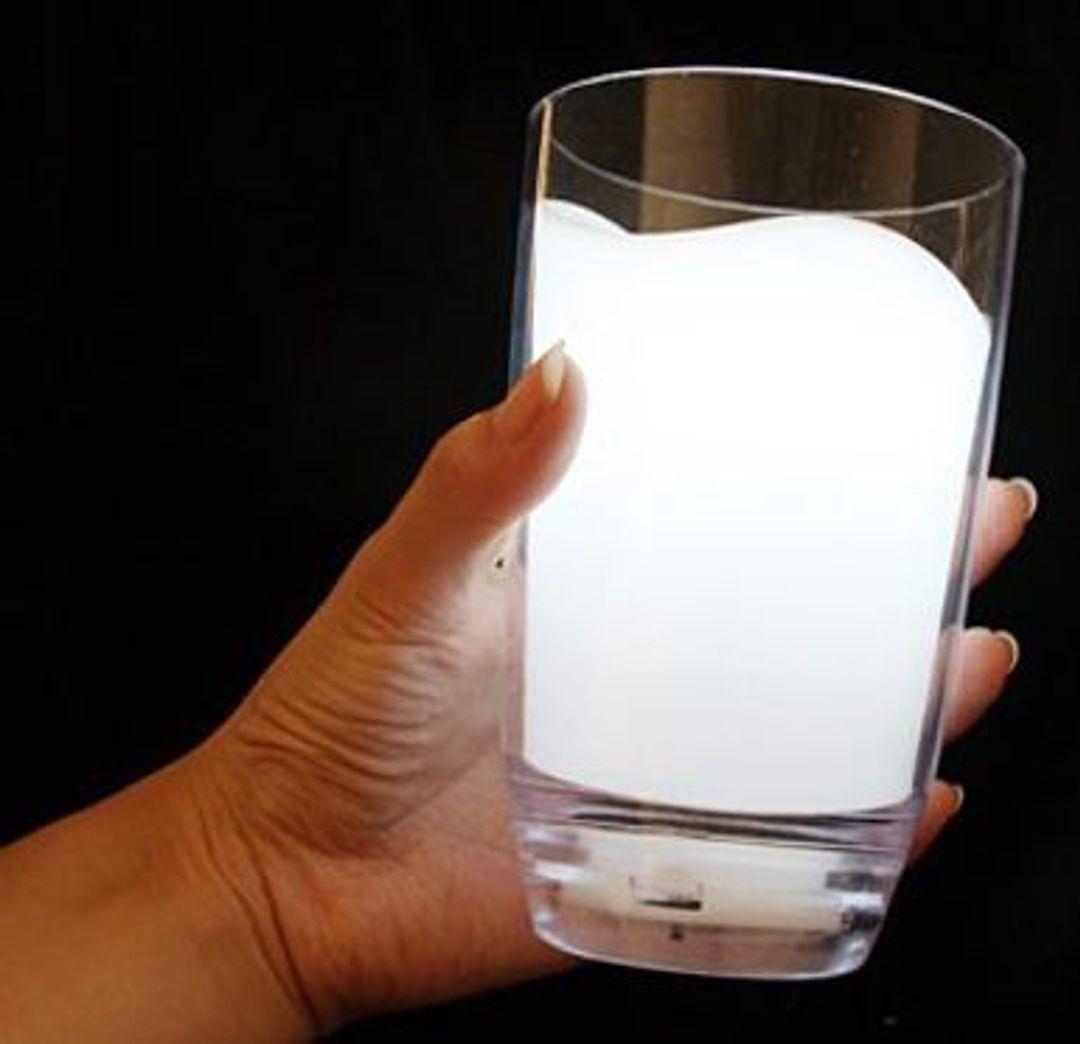 Лампа Стакан молока