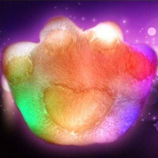 Светящаяся подушка Лапа (Белая с розовым) С подсветкой