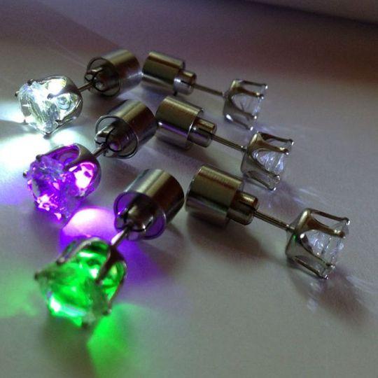 Светящиеся светодиодные серьги в ассортименте