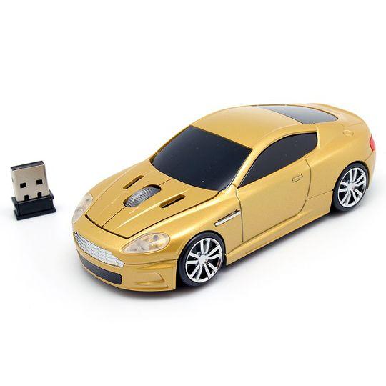 Золотистый спорткар