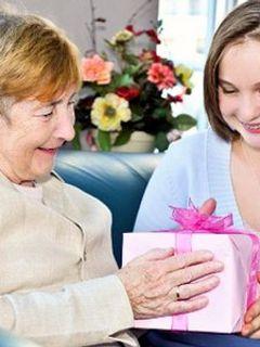 Идея для подарка на Новый год бабушке