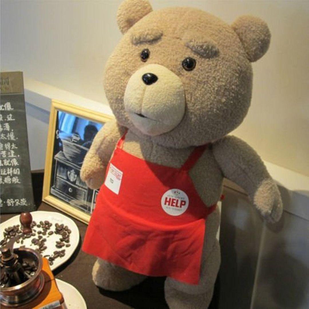 Медведь Тед из фильма Третий лишний