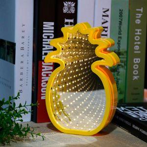 Настенный светильник 3D Ананас