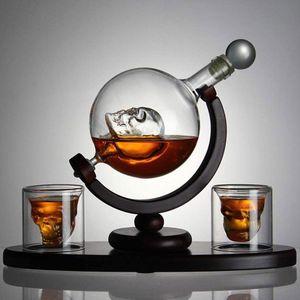 Декантер для напитков на деревянной подставке Череп с бокалами (2 шт)