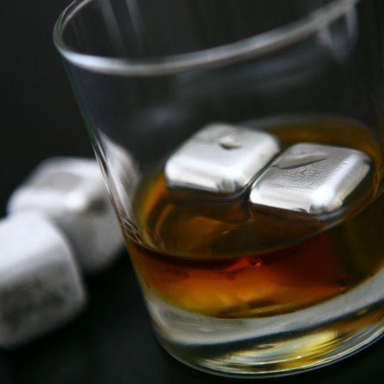 Стальные кубики для охлаждения напитков