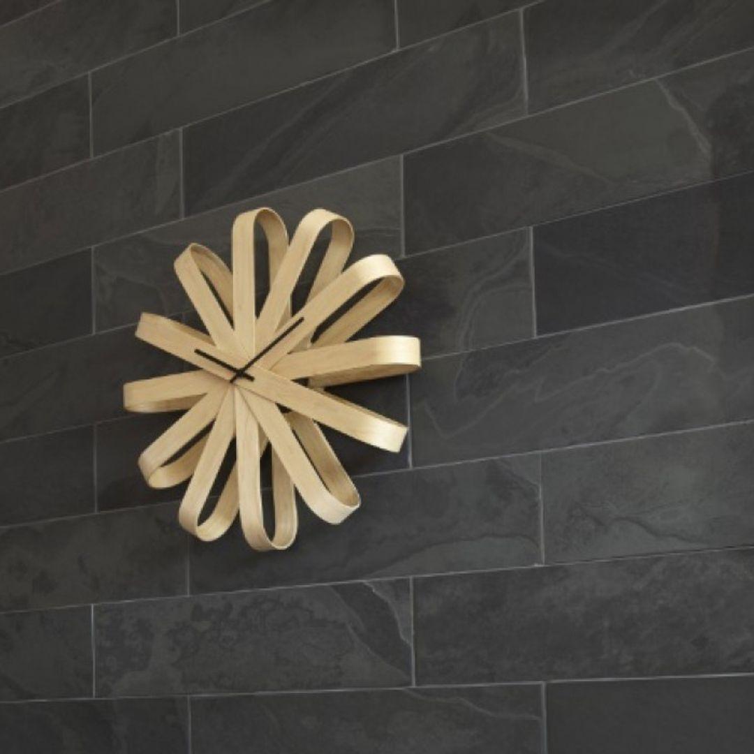 Часы настенные Ribbon (Деревянные) В интерьере