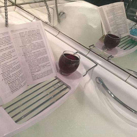 Столик для ванной Umbra Oasis Бокал вина