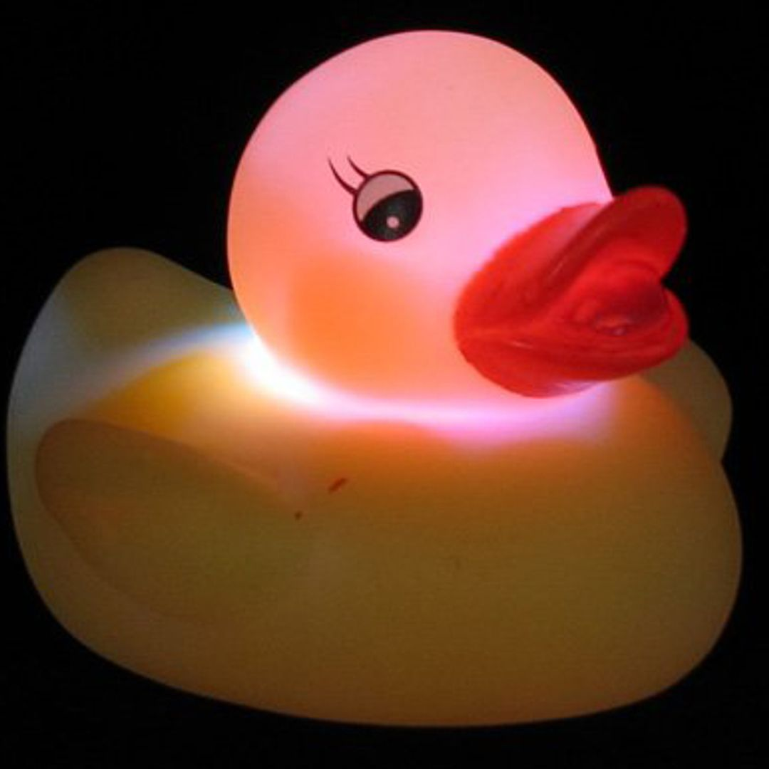 Поющая светящаяся утка для ванной С подсветкой