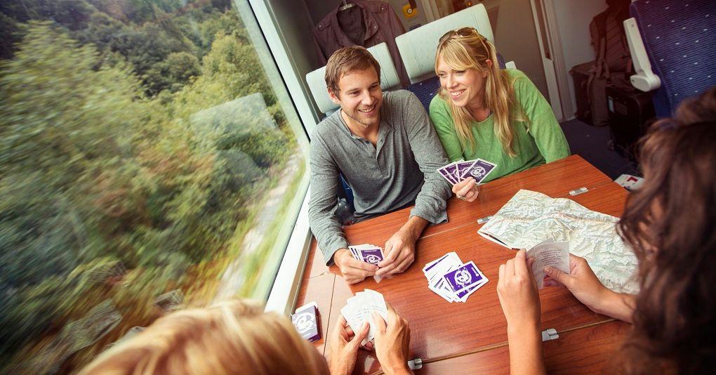 Игра в карты в дороге