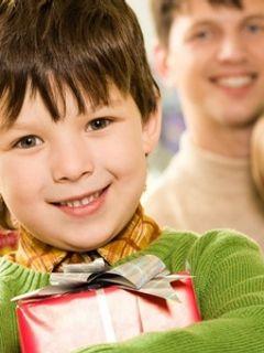 Что подарить школьнику на День Рождения?