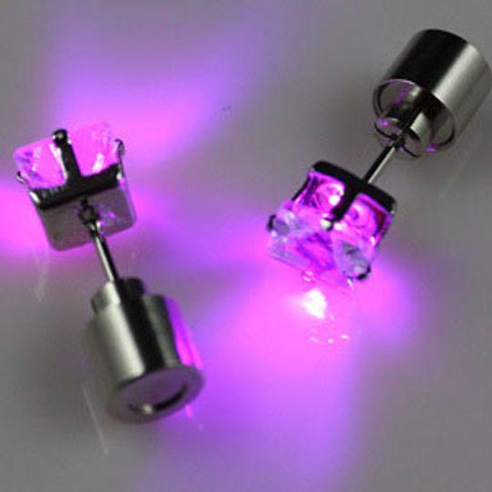Светящиеся светодиодные серьги: квадратные фиолетовые