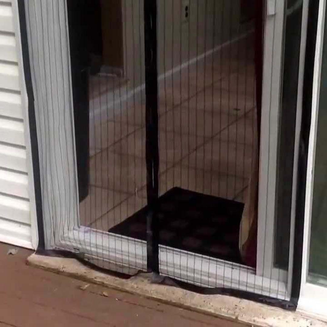 Москитная сетка на дверь на магнитах Magic Mesh