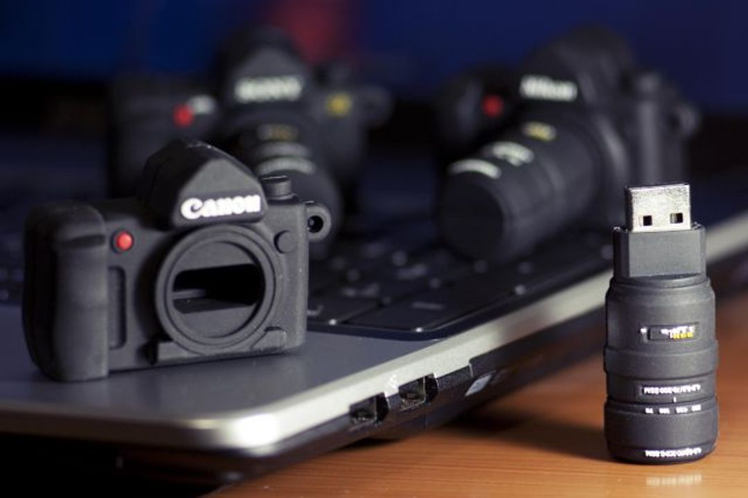 Флешка Фотоаппарат Canon 4 Гб
