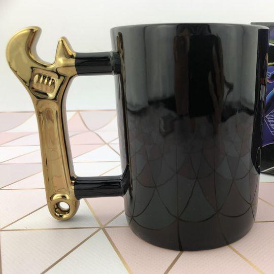 Кружка Гаечный ключ (Черный, золотистая ручка)
