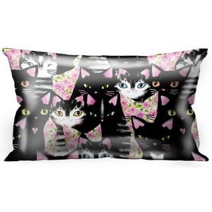 Подушка Очень любопытные коты