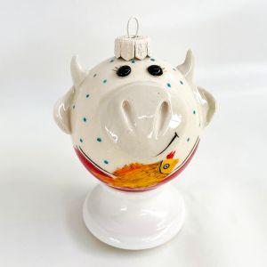 Фарфоровый елочный шар Коровка с рыбкой (ручная роспись)