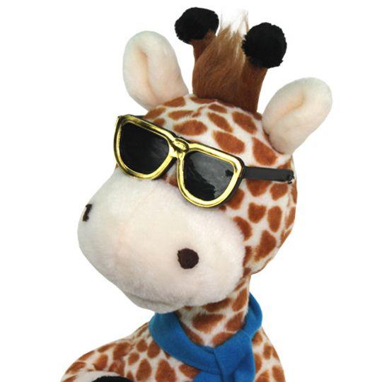 Музыкальная игрушка Влюбленный жираф Крупным планом