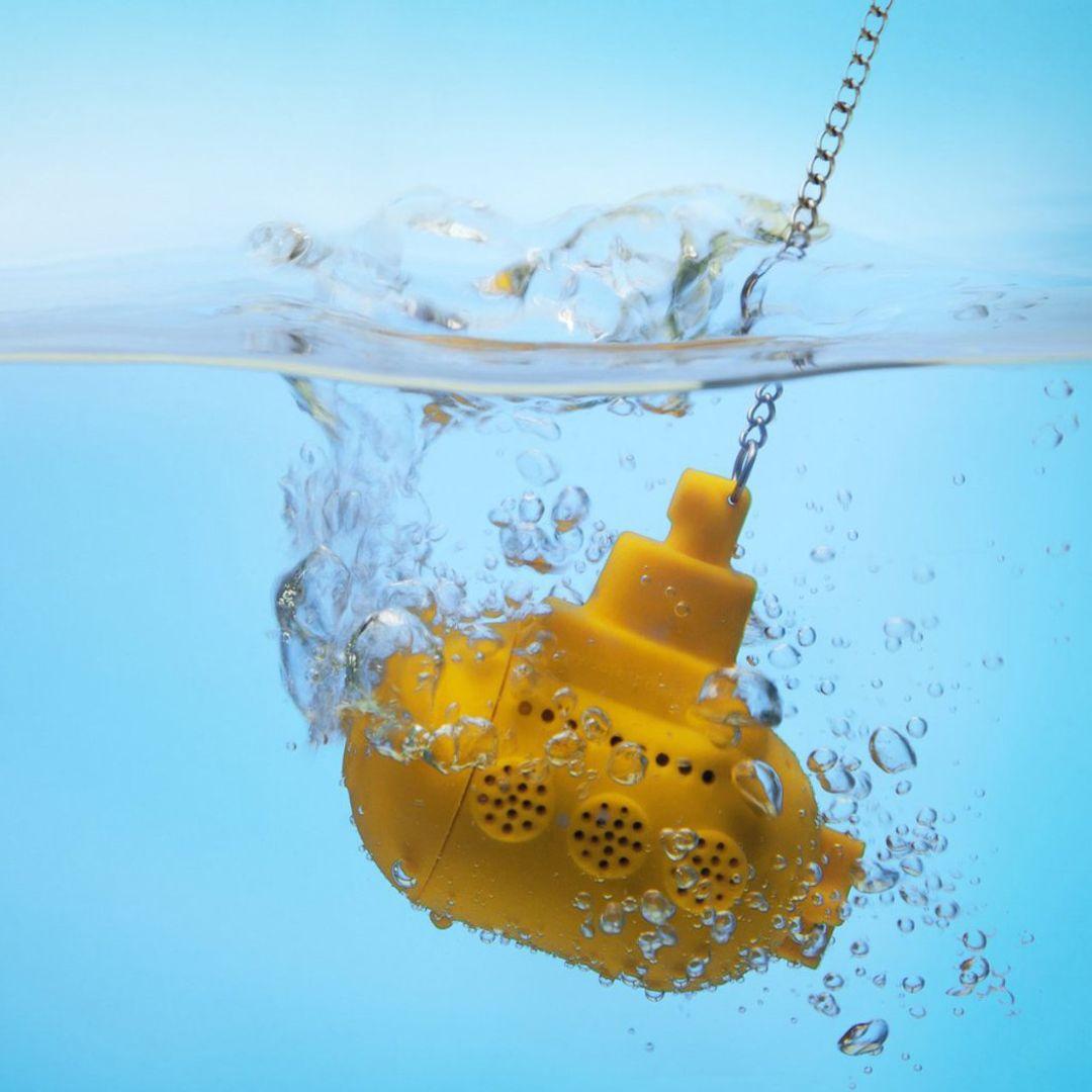 Заварник для чая Подводная лодка (Желтый) В воде