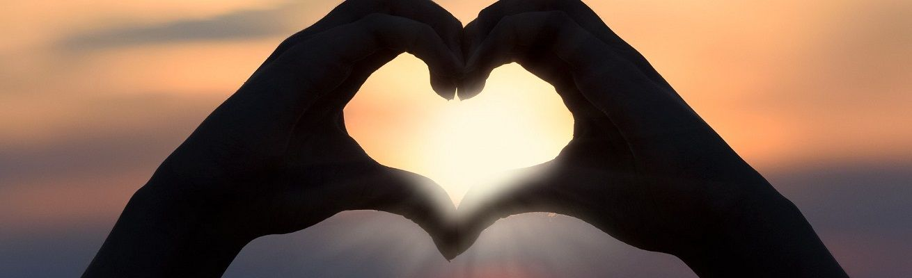 Как создать романтическую атмосферу 14 февраля?